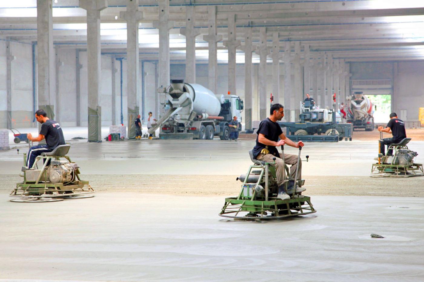 Hervorragend Betonboden & Industrieestrich | Industrieboden Beton WIEGRINK® MK54